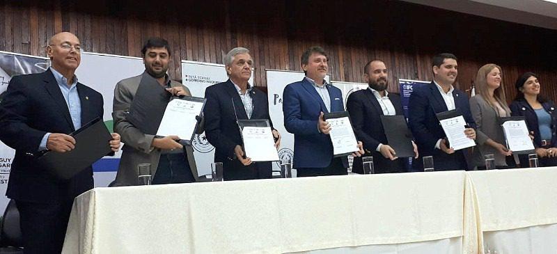 Firma de acuerdo entre Gobierno de Paraguay y sector privado ganadero para garantizar trazabilidad usando blockchain