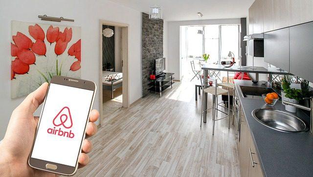 descentralizado Travala Airbnb